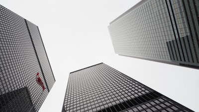 Which banks will be targeted in the banking crisis?